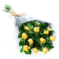 dozen-yellow-roses-wrapped
